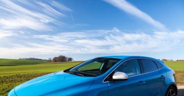 1 370x193 - Vehículos que puede contratar en Renting. El Hatchback