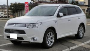 17 300x170 - Rentar un vehículo eléctrico, la mejor opción del futuro
