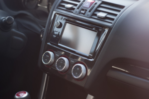 3 1 300x199 - Vehículos que puede contratar en Renting. El Hatchback