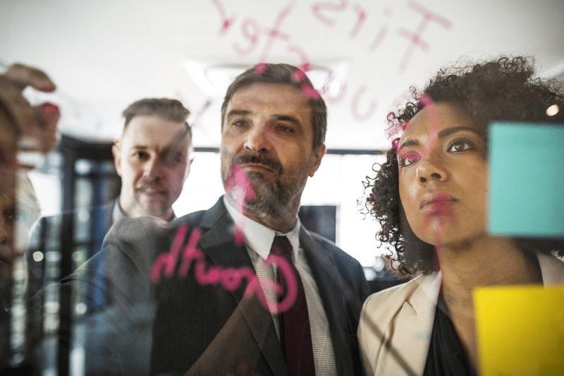 11 - ¿Que valoran las empresas al momento de contratar un Renting?