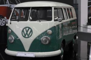 vLa Minivan